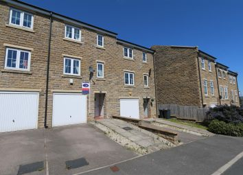 4 bed town house for sale in Myers Close, Idle, Bradford BD10