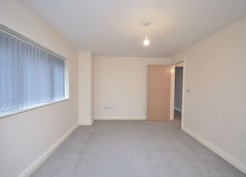 Thumbnail 1 bed flat to rent in Segensworth Road, Titchfield, Fareham