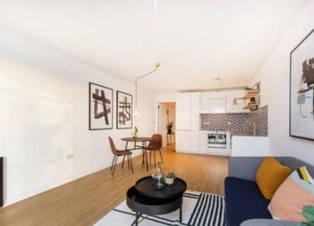Thumbnail 3 bed flat to rent in Kendal Street, London