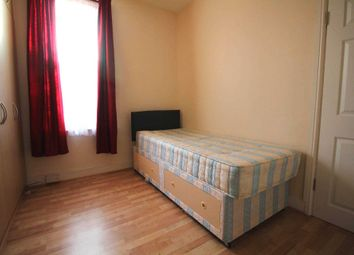 Thumbnail Room to rent in Petersfield Road, London
