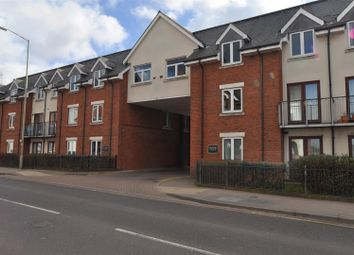Thumbnail 2 bedroom flat for sale in Walsworth Road, Hitchin