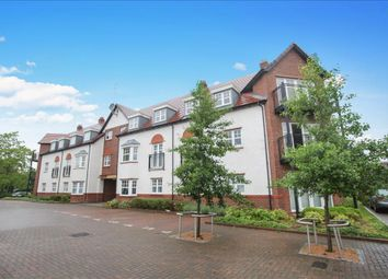 Thumbnail 2 bedroom flat for sale in Ascot Drive, Letchworth Garden City