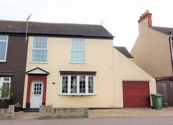Thumbnail 3 bed property to rent in Beccles Road, Gorleston