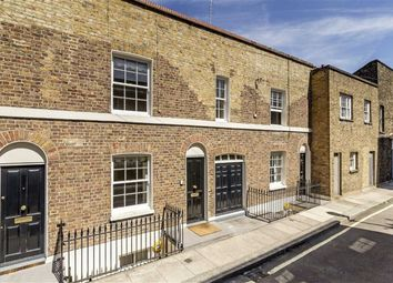 Thumbnail 2 bed property to rent in Skinner Place, London