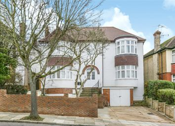 3 bed flat for sale in Old Park Ridings, Winchmore Hill, London N21