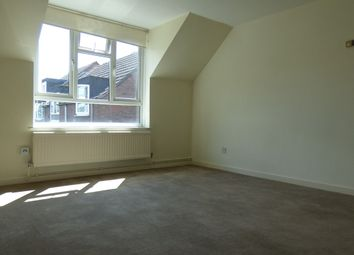 Thumbnail 1 bed flat to rent in Fawcett Close, Clapham Junction