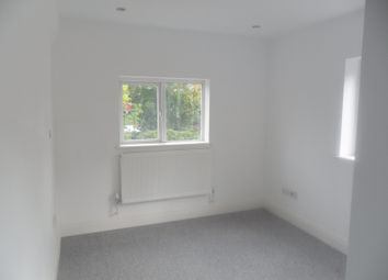 Thumbnail 2 bed flat to rent in Waverley Road, Reading