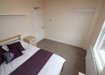 Thumbnail Room to rent in Room 3, Reading