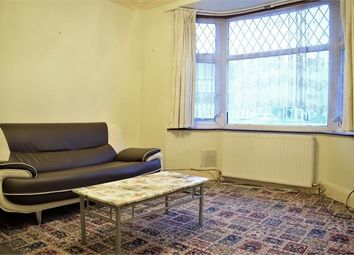 3 bed semi-detached house to rent in Laburnum Grove, Hounslow TW3