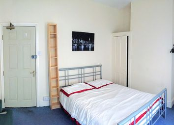 Room to rent in Wycliffe Road, Abington, Northampton NN1