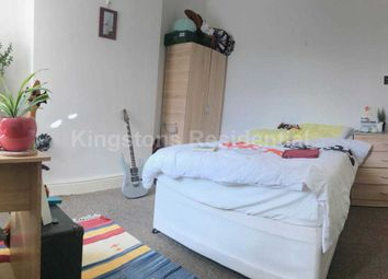 Thumbnail Flat to rent in Albany Road, Roath