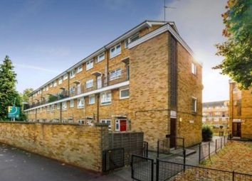 3 bed maisonette to rent in Grantham Road, London E12