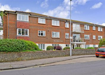 Manor Road, Worthing, West Sussex BN11. 2 bed flat for sale