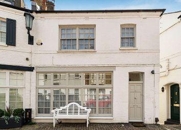 Thumbnail 3 bedroom mews house for sale in Pont Street Mews, Knightsbridge