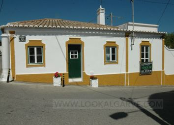 Thumbnail 2 bed detached house for sale in Luz, Luz, Lagos