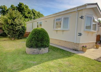 Thumbnail 1 bed mobile/park home for sale in The Retreat, Wootton Hall, Henley-In-Arden