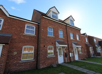 3 bed town house for sale in Whimbrel Chase, Scunthorpe DN16