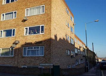 Thumbnail Studio to rent in Studio Flat, Deana Court, Dalton Street, Gillingham