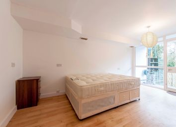 Thumbnail Room to rent in Holders Hill Road, London