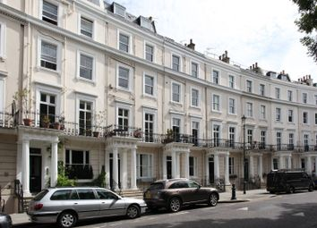 Thumbnail 1 bed flat to rent in Royal Crescent, Holland Park