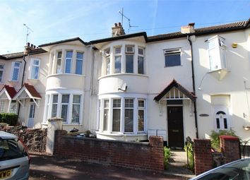 Thumbnail 1 bed flat to rent in Beedell Avenue, Westcliff-On-Sea, Essex
