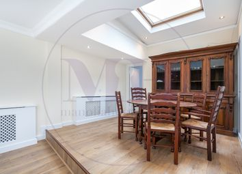 3 bed maisonette to rent in The Colonnades, Porchester Square, Bayswater, London W2
