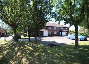 Thumbnail 2 bed flat to rent in Pebble Drive, Didcot