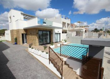 Thumbnail 3 bed chalet for sale in Avenida Julieta Orbaiceta 30385, Cartagena, Murcia