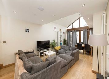 2 bed detached house to rent in Sellincourt Road, London SW17