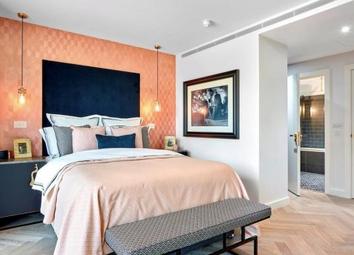 London Dock, Wapping, London E1W. 3 bed flat