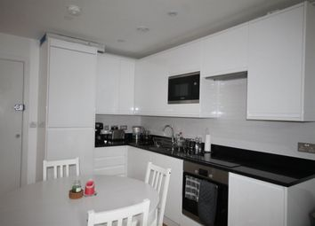 Thumbnail 1 bed flat to rent in South End, South Croydon