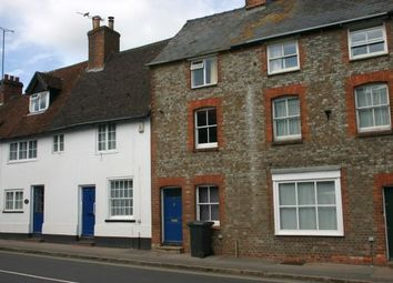 2 bed terraced house to rent in High Street, Hungerford RG17