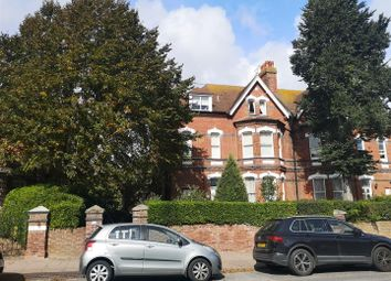 Silverdale Road, Eastbourne BN20. 3 bed flat