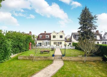 4 bed bungalow for sale in Hornchurch, Romford, Havering RM11