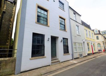 2 bed maisonette to rent in Oakfield Place, Clifton, Bristol BS8