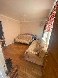 4 bed flat to rent in Padnall Road, Chadwell Heath, Romford RM6