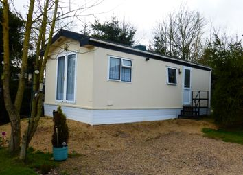 Thumbnail 2 bedroom mobile/park home for sale in Belle Eau Park, Bilsthorpe, Newark