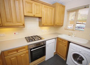 2 bed property to rent in Highgrove Close, London N11