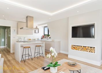 3 bed flat for sale in Church Street, Ware SG12