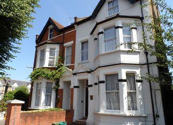 Thumbnail Studio to rent in Broughton Road, London