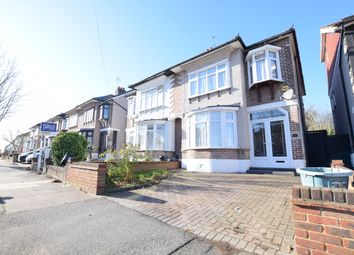 3 bed terraced house to rent in Colvin Gardens, Ilford IG6