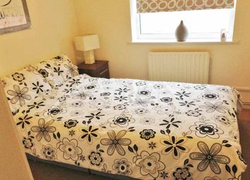 Thumbnail 2 bed flat to rent in Kendal Bank, Leeds