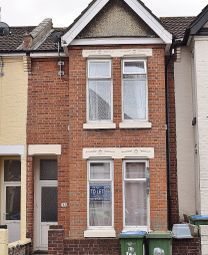 5 bed terraced house to rent in Denzil Avenue, Southampton SO14