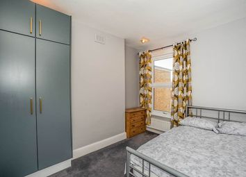 Thumbnail Room to rent in St. Johns Park, London