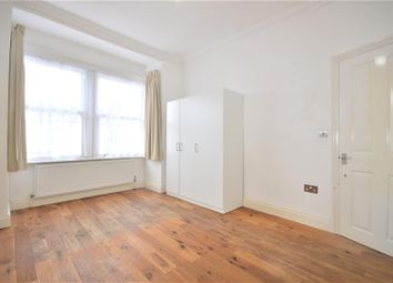 Thumbnail Room to rent in Valliere Road, London
