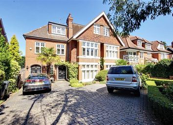 Thumbnail 3 bedroom flat to rent in Crescent East, Hadley Wood, Hertfordshire
