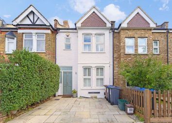 3 bed property to rent in Carlton Park Avenue, London SW20