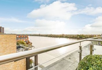 Thumbnail 3 bed triplex to rent in Palace Wharf Apartments, London