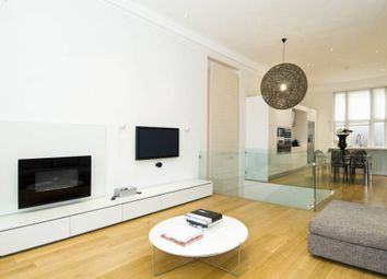 Thumbnail 3 bed flat to rent in Palace Court, London