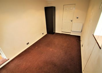 Thumbnail Studio to rent in Tercel Path, Chigwell